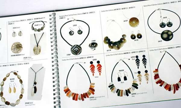 Catalogue mẫu trang sức đá tuyệt đẹp làm xoa xuyến phái đẹp