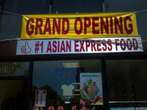 In băng rôn khai trương cửa hàng thức ăn
