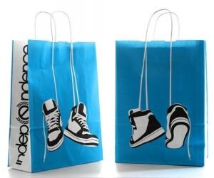 Mẫu in túi giấy cho shop thời trang giầy cao cấp.