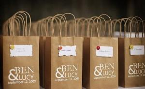 Mẫu in túi giấy kraft cho shop bán hàng.