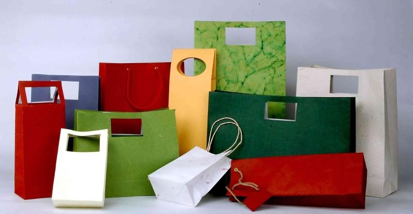 So với túi nylon, túi giấy có tính thẩm mỹ cao hơn.