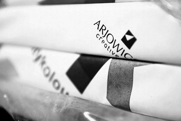Arjo Wiggins là nhà cung cấp chính thức giấy được sử dụng tại the Bourget and Grand Palais cũng như 4 triệu thếp giấy A4 tái chế 100%, dùng bởi các khách mời hội nghị.